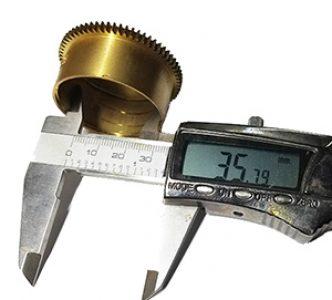 Measuring a clock mainspring barrel diameter